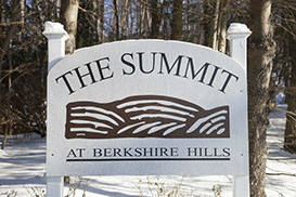 Neighborhood sign for the Summiit section of Berkshire Hills in Denville.
